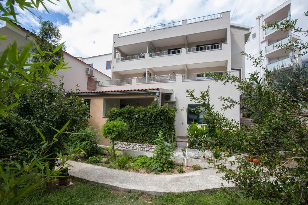 Apartment Luka - Villa Meri