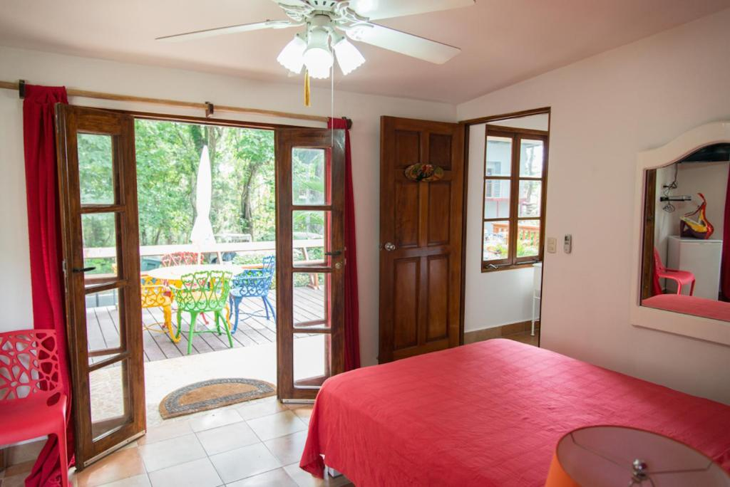 Double Room Contadora Island Inn