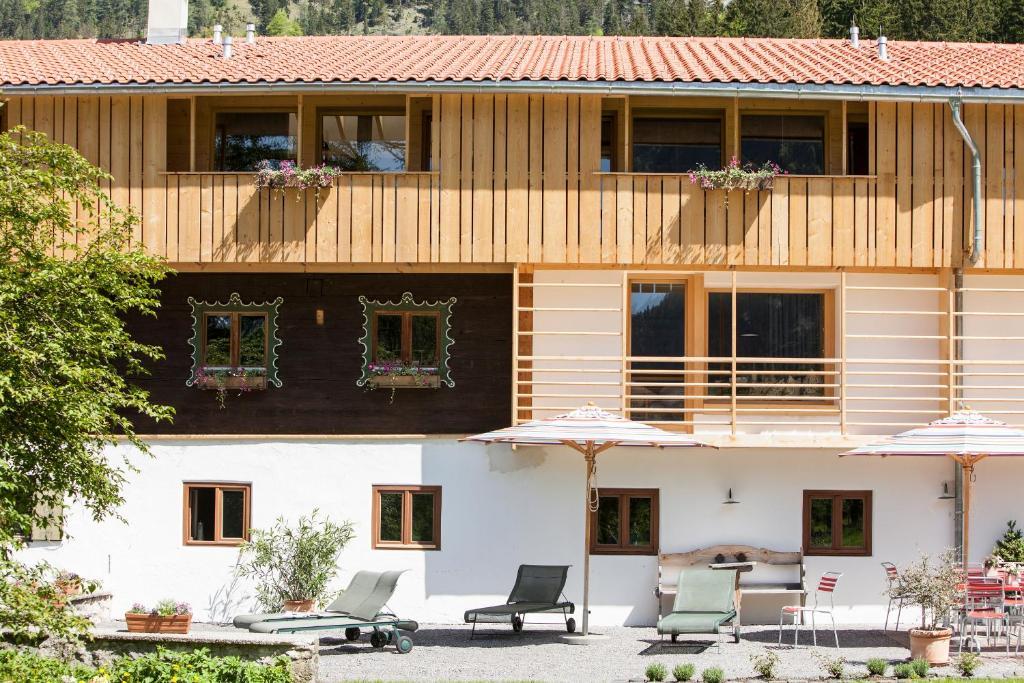 Hotel Tannerhof Bayrischzell magazin alpine architektur