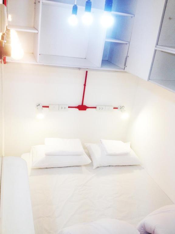 safe and sound hostel chiang mai online booking. Black Bedroom Furniture Sets. Home Design Ideas