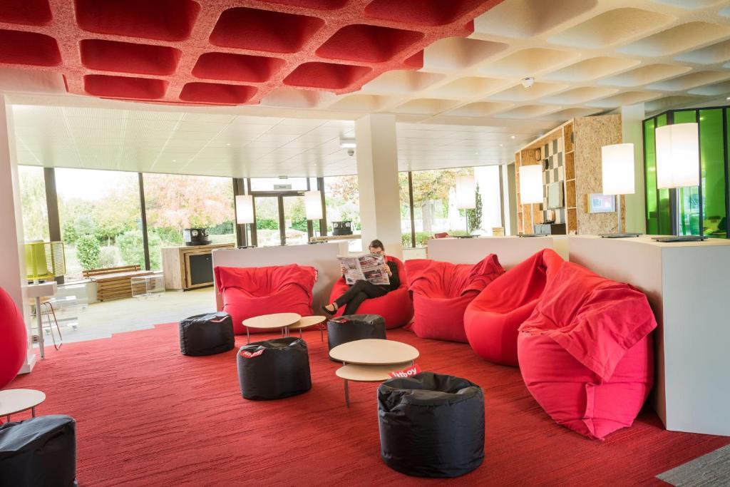 ibis styles tours sud r servation gratuite sur viamichelin. Black Bedroom Furniture Sets. Home Design Ideas