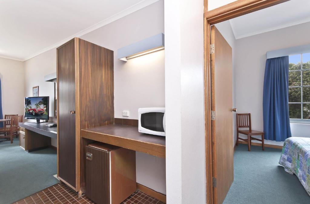 Standard Double Room William Dutton Motel