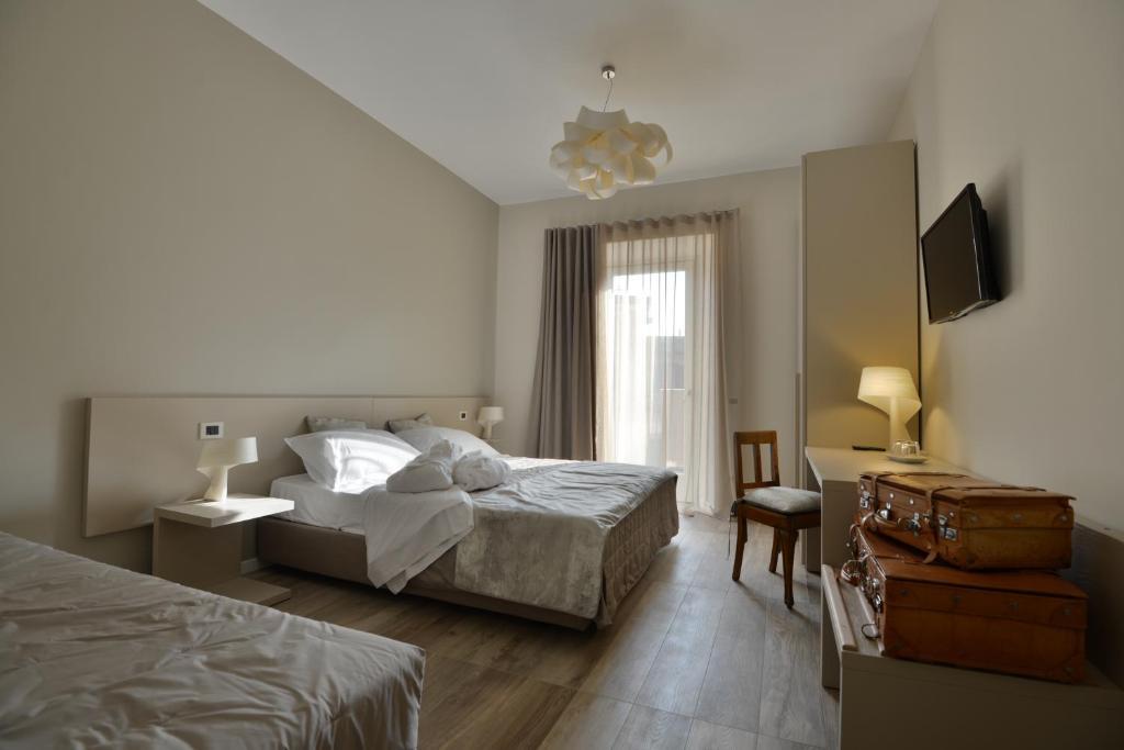 Daman Rooms & Breakfast