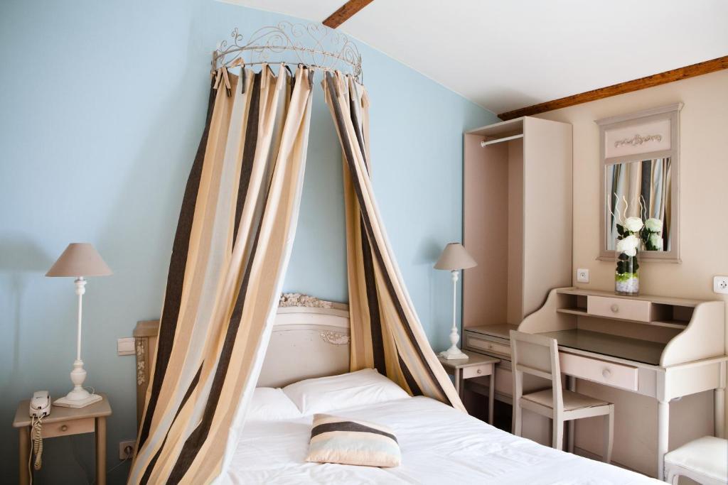 hotel abat jour nantes online booking viamichelin. Black Bedroom Furniture Sets. Home Design Ideas