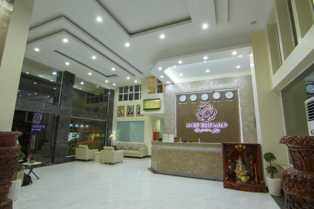 Rose Emerald Hotel