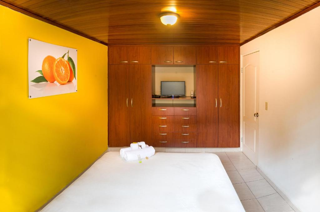 Standard Double Room with Shared Bathroom Pacific Dreams