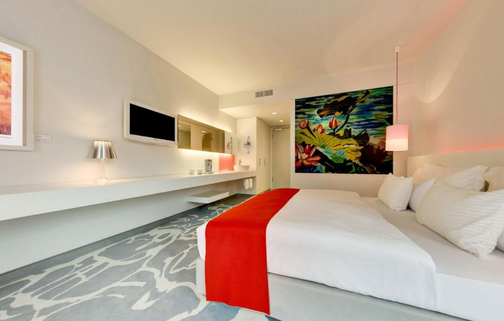 art'otel cologne, part of Radisson Hotel Group