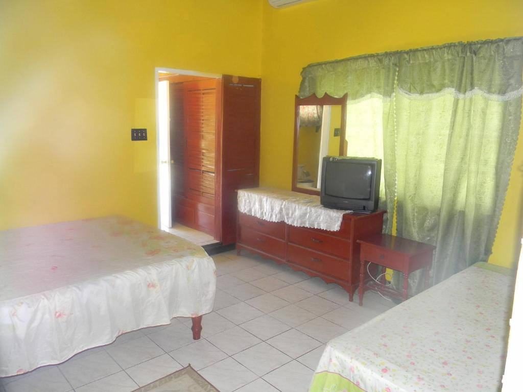 Double or Twin Room Bluefields Bay Resort