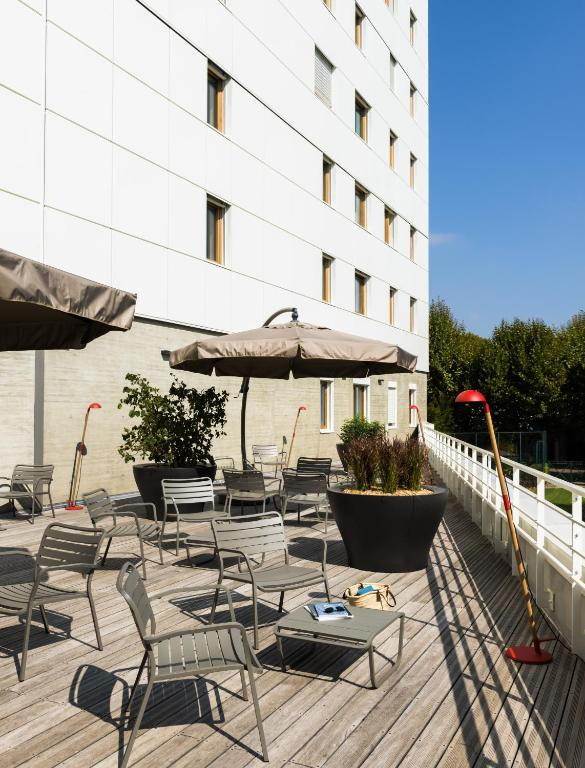 Okko hotels grenoble jardin hoche grenoble book your hotel with viamichelin - Restaurant jardin de ville grenoble ...