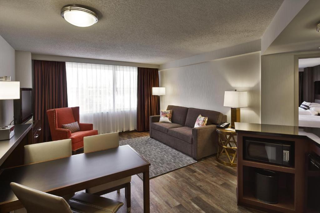 Embassy Suites Washington D.C. - at the Chevy Chase Pavilion Photo #12