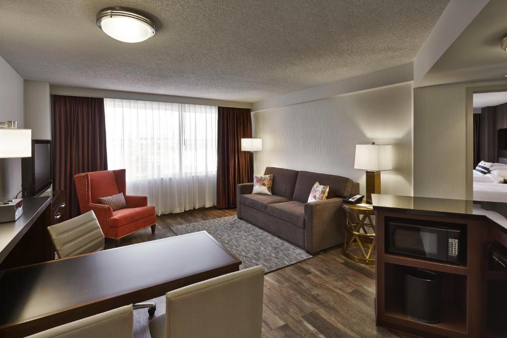 Embassy Suites Washington D.C. - at the Chevy Chase Pavilion Photo #13