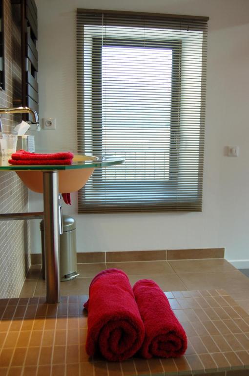 le jour et la nuit maison d 39 h tes r servation gratuite sur viamichelin. Black Bedroom Furniture Sets. Home Design Ideas