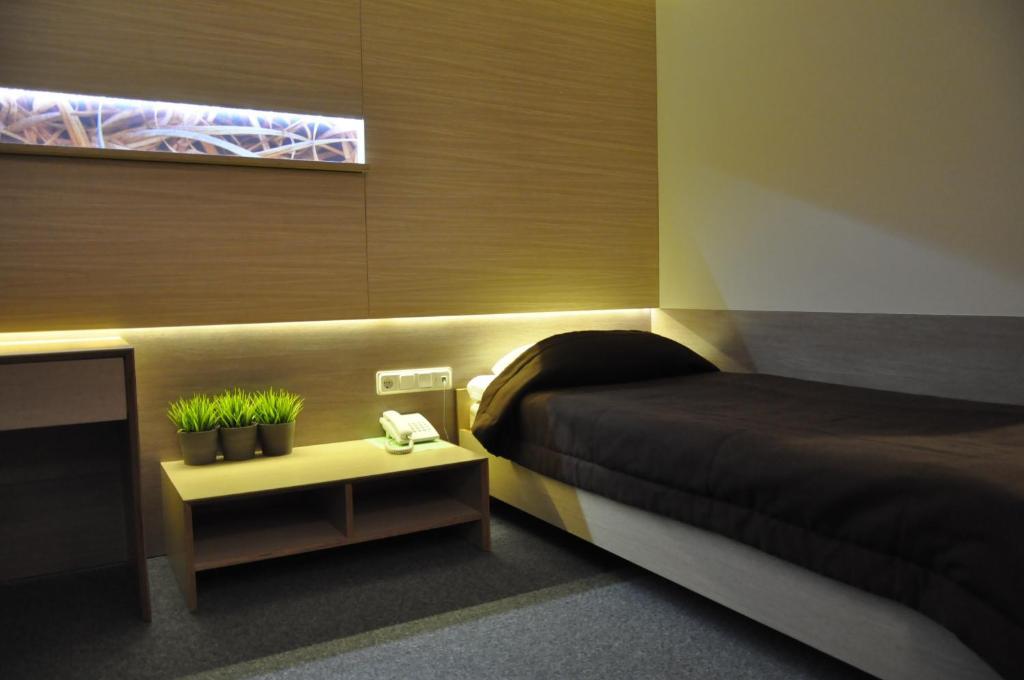 The Landmark Hotel Room Service Menu