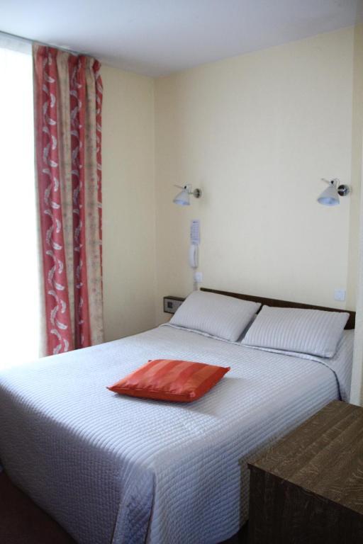 Hotel La Roche Sur Yon B And B