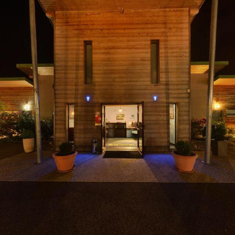 Hotel A Saint Vulbas