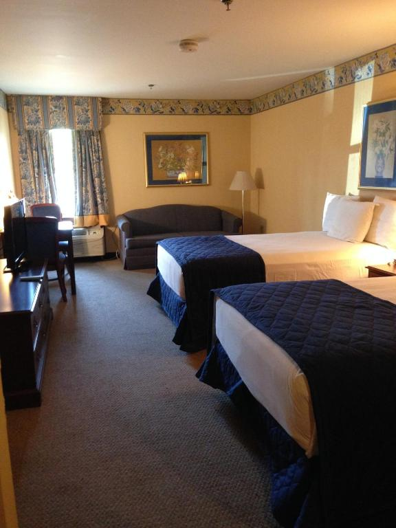 Double Room Greenville Inn & Suites