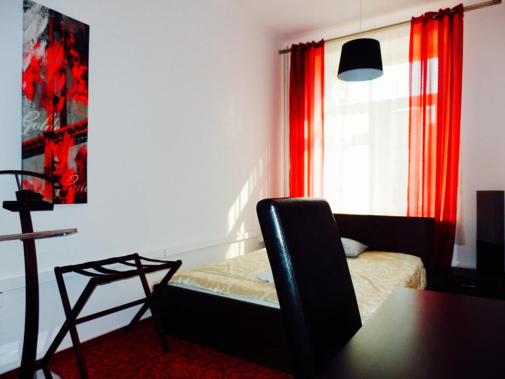Double Room with Shared Bathroom Hostel Coco