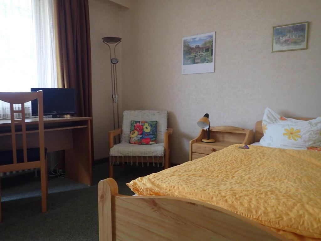 Haus Charlotte Bad Nenndorf ViaMichelin informatie en