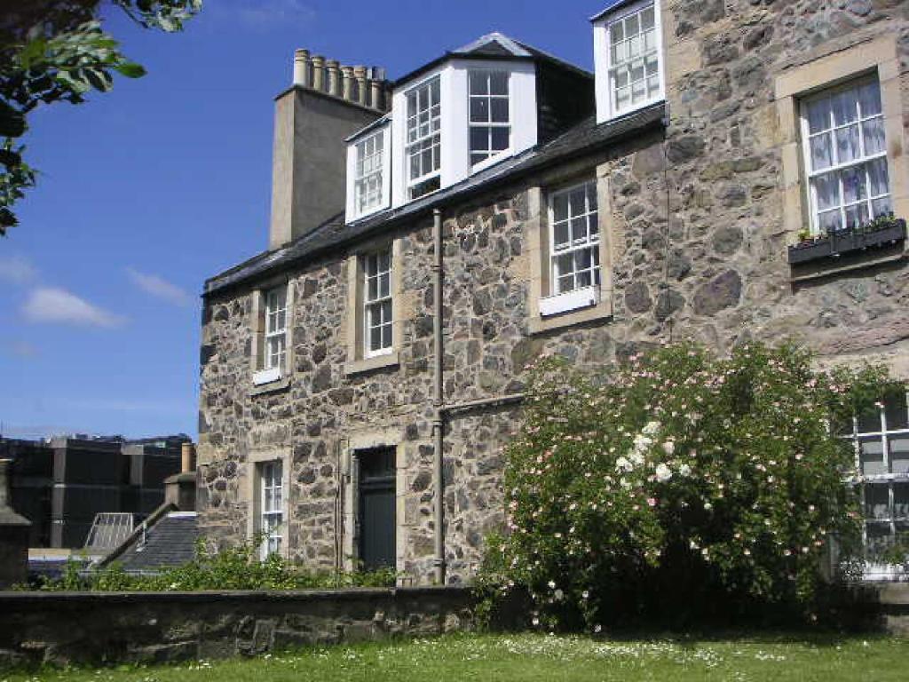 Calton Hill Apartment