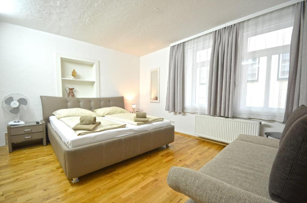 Studio Deluxe Apartment Zeller Lake & City Centre