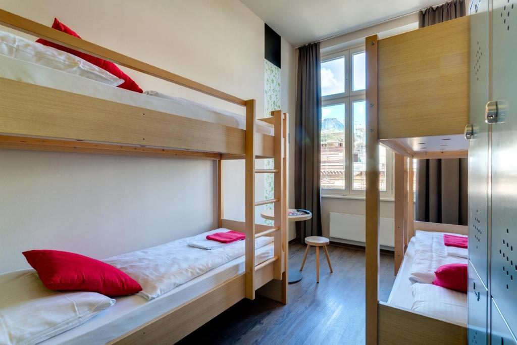 meininger hotel berlin mitte berlin informationen und buchungen online viamichelin. Black Bedroom Furniture Sets. Home Design Ideas