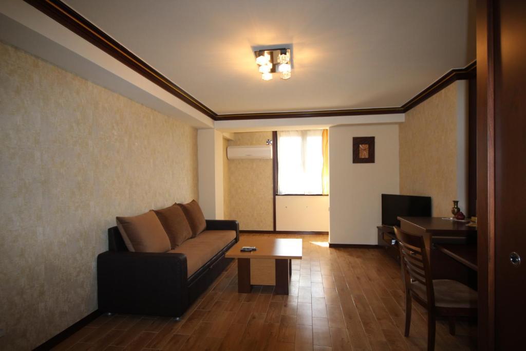 Vardanants Apartment