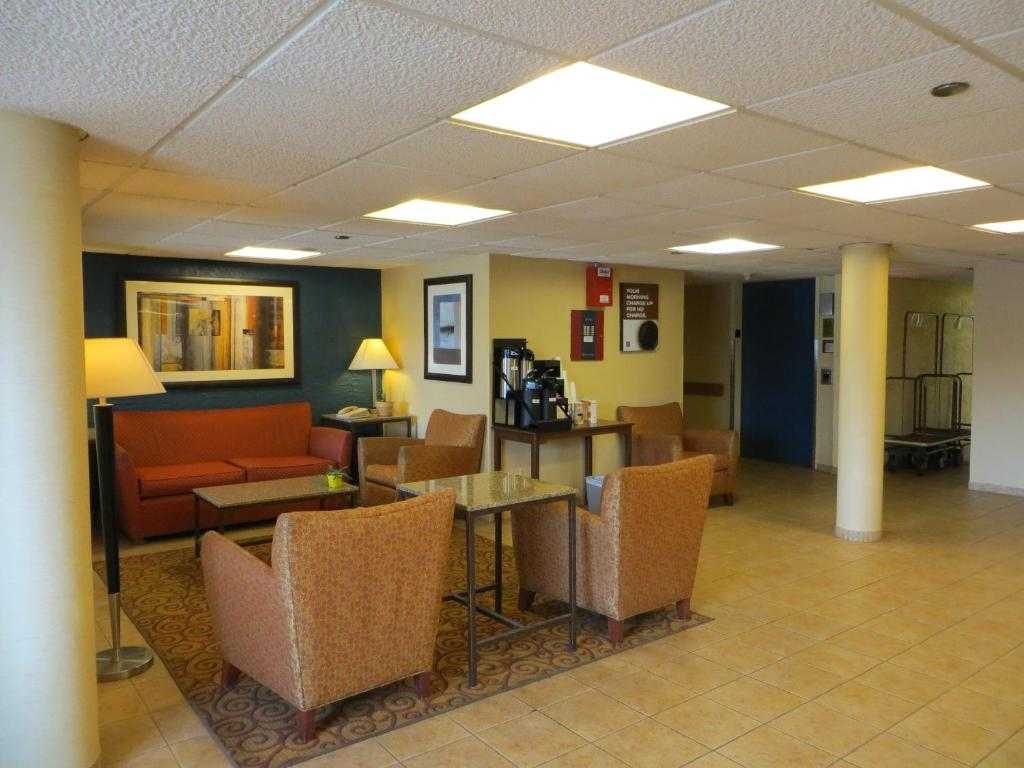 Wyndham Garden Elk Grove Village - O\'Hare - Elk Grove Village - book ...