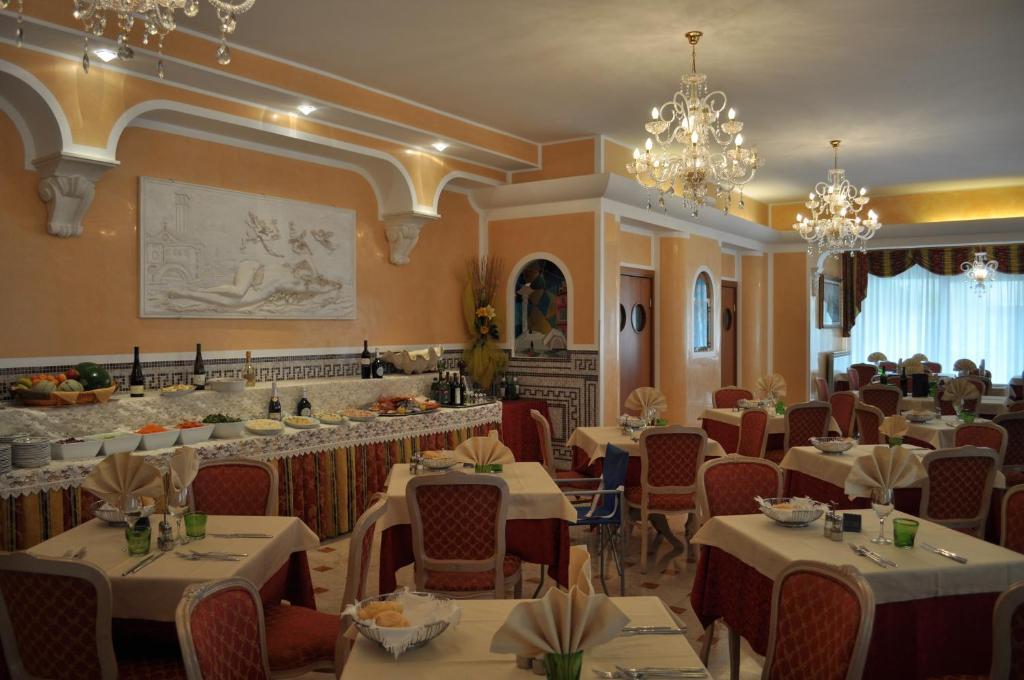Hotel Sottomarina Booking