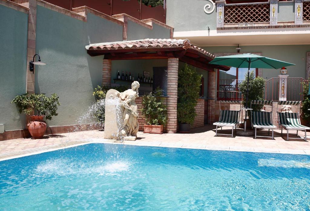 Villa cristina giardini naxos online booking viamichelin - Villa cristina giardini naxos ...