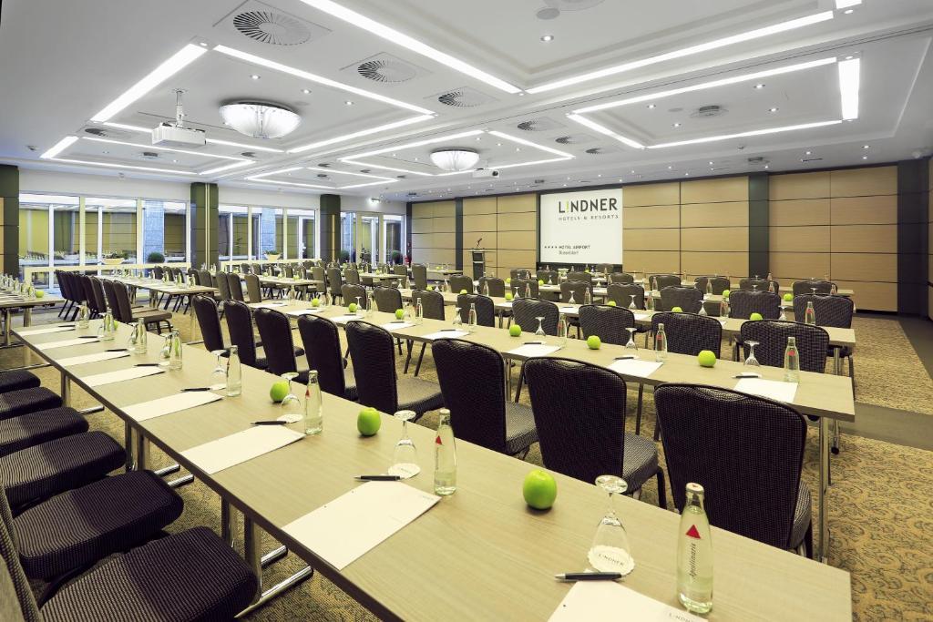 lindner hotel d sseldorf airport d sseldorf viamichelin informatie en online reserveren. Black Bedroom Furniture Sets. Home Design Ideas