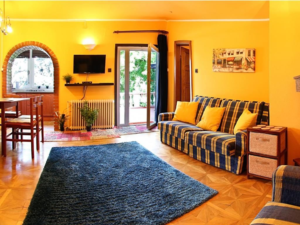 BudaHome Apartments
