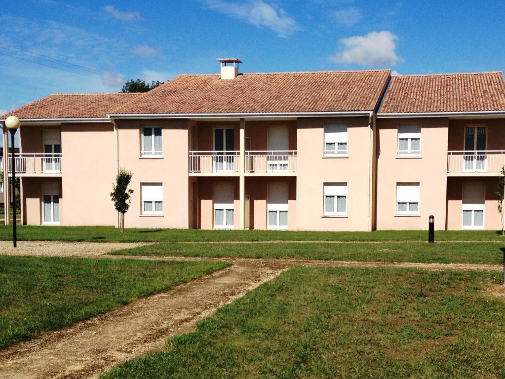 Appart hotel le patio d 39 argenton mauz thouarsais for Appart hotel urban lodge chaudfontaine