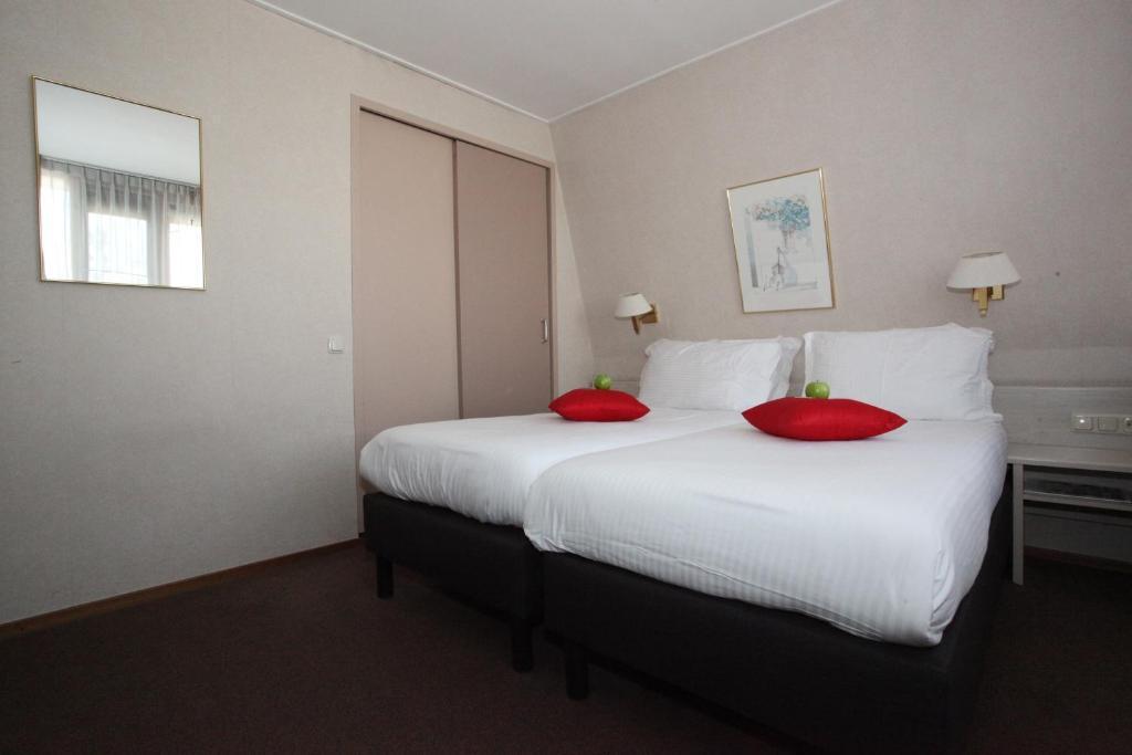Room photo 8726393 from Alp de Veenen Hotel in Amstelveen