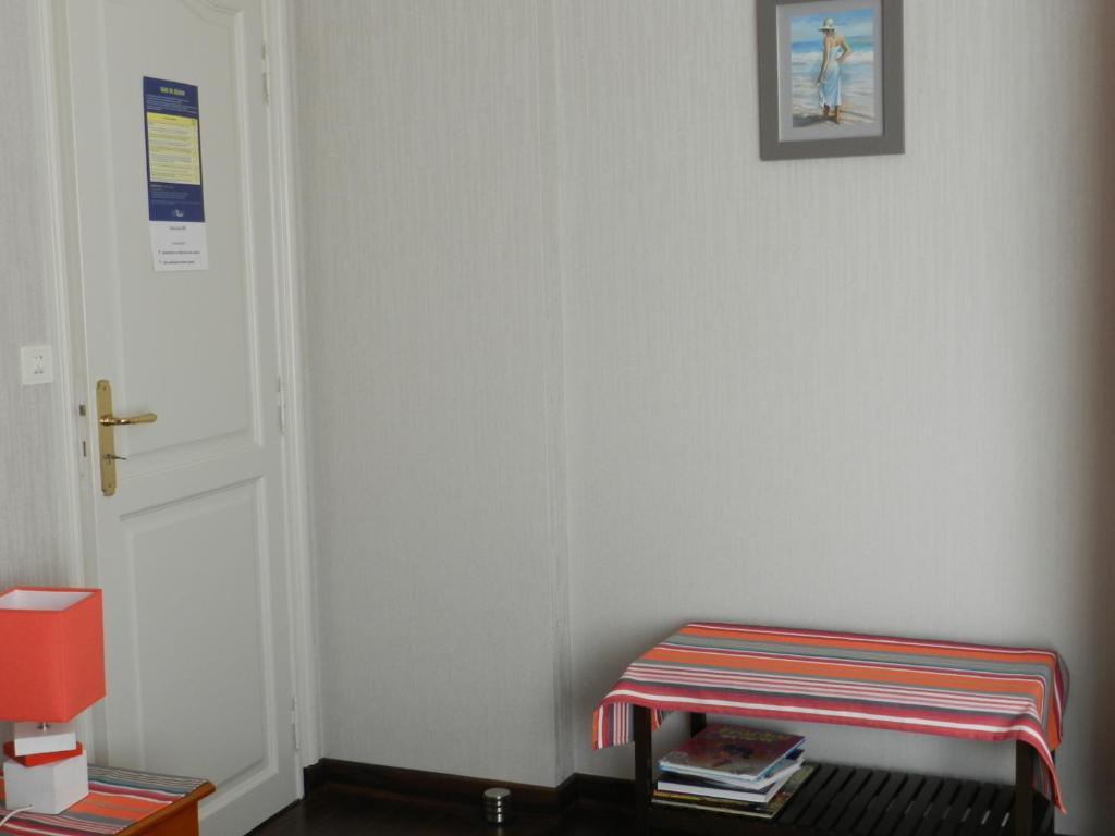 chambre d 39 h tes aux portes de rennes chartres de bretagne viamichelin informatie en online. Black Bedroom Furniture Sets. Home Design Ideas