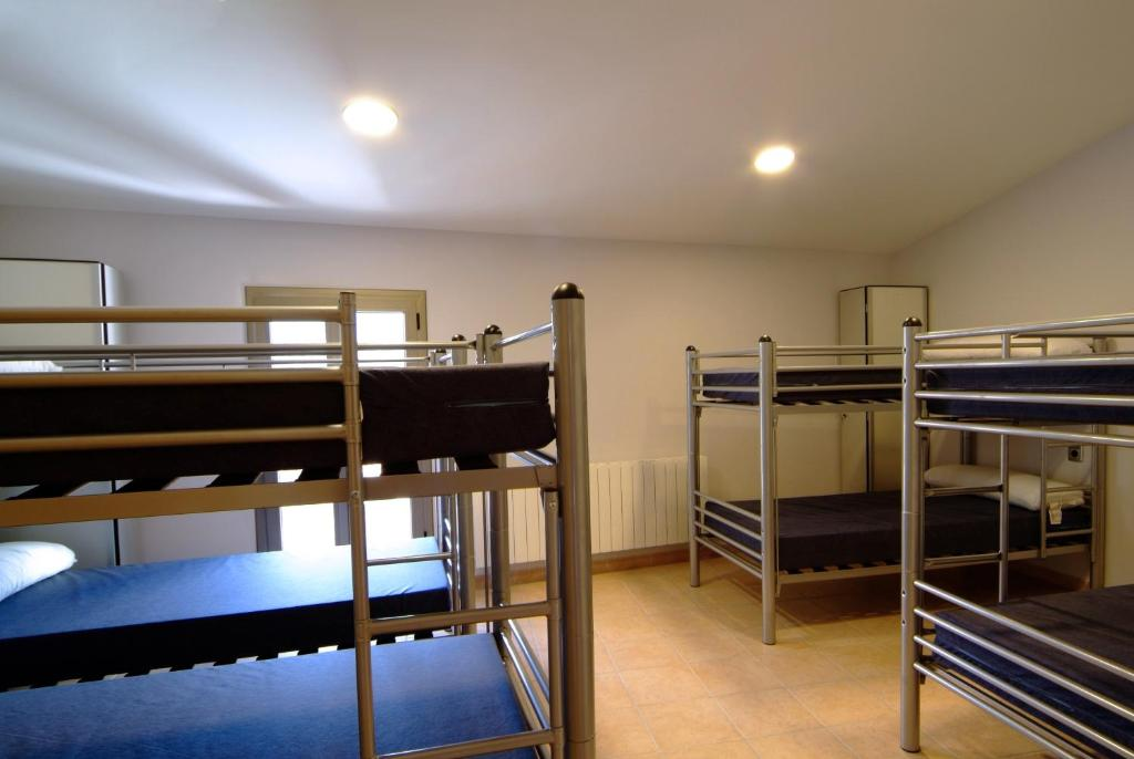 Bed in 8-Bed Dormitory Room Somianatura
