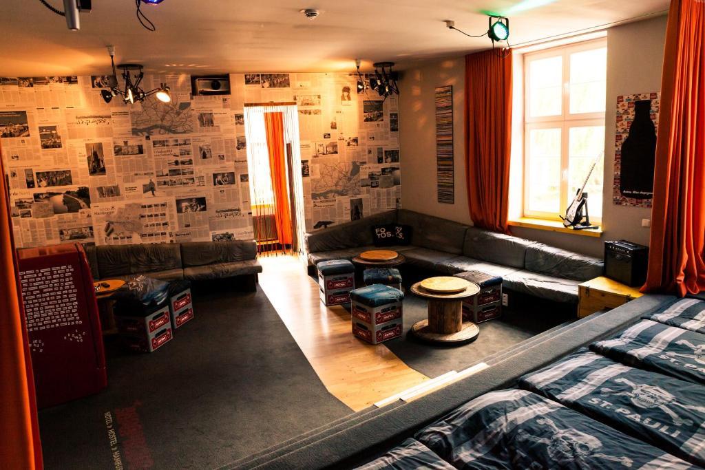 superbude hotel hostel st pauli amburgo prenotazione on line viamichelin. Black Bedroom Furniture Sets. Home Design Ideas