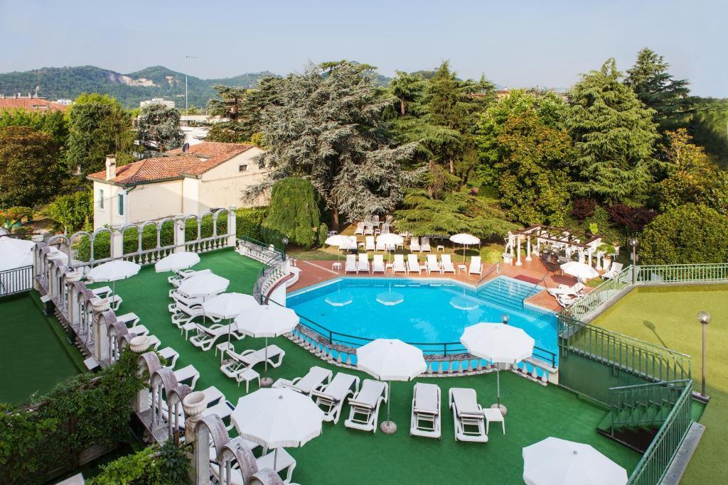 Hotel terme olympia montegrotto terme reserve o seu for Piscina hotel olympia