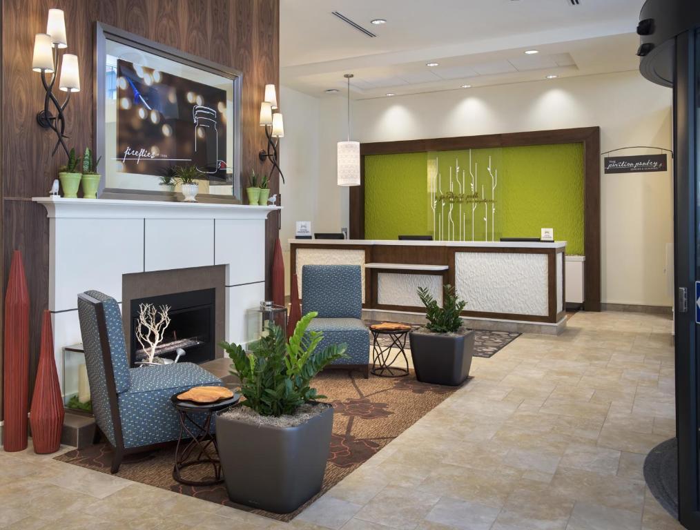 Hilton Garden Inn Chicago North Loop Chicago Il 66 East Wacker Place 60601