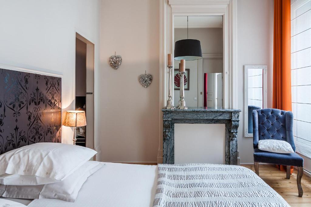 la maison du champlain chambres d 39 h tes lille book your hotel with viamichelin. Black Bedroom Furniture Sets. Home Design Ideas