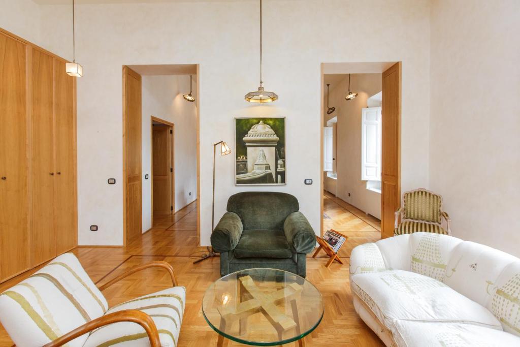 Habitat 39 s campo de 39 fiori apartments ciudad del vaticano reserva tu hotel con viamichelin for Internet 28717