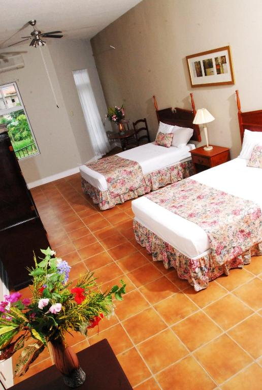 Deluxe Double Room with Bath Guest House Villa Mishkan