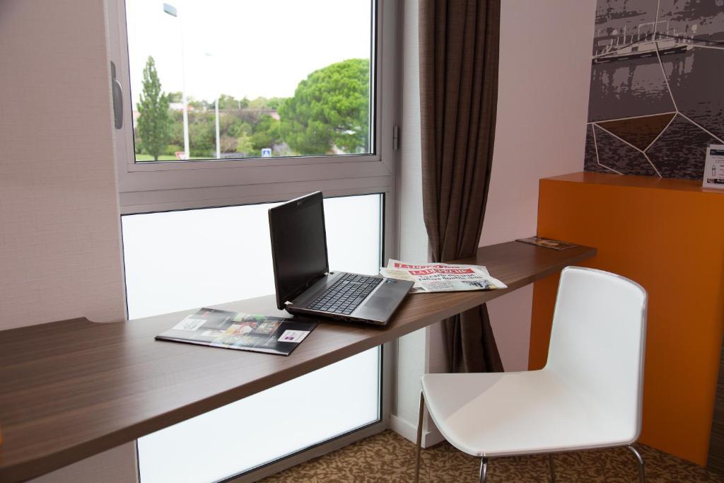 brit hotel toulouse colomiers l esplanade r servation gratuite sur viamichelin. Black Bedroom Furniture Sets. Home Design Ideas