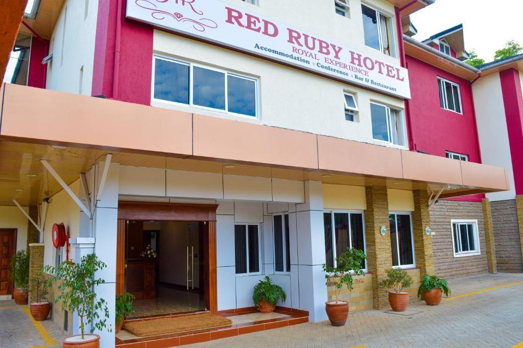 Red Ruby Hotel