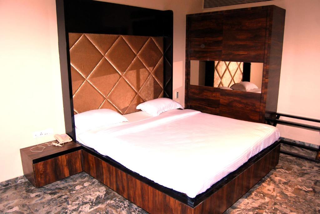 OYO 2934 Hotel Relax Inn Diu - Una - book your hotel with