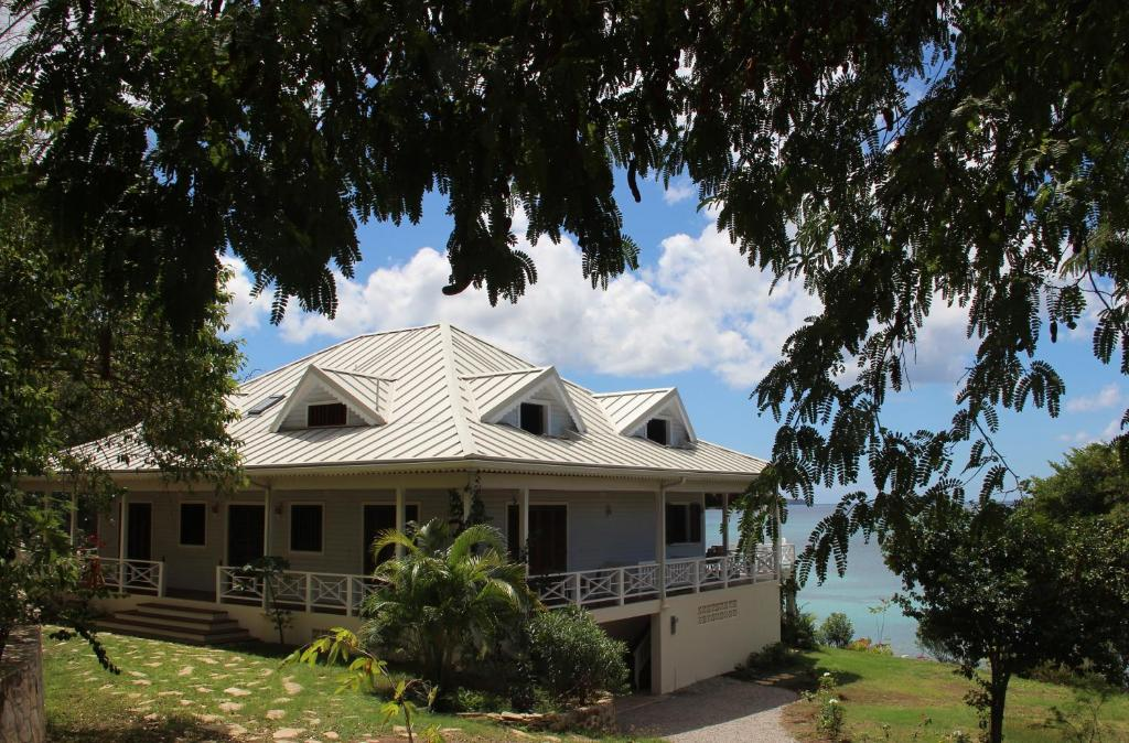 5-Bedroom Villa - Beach Front La Pagerie in Carriacou