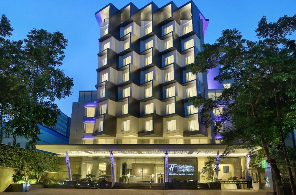 Holiday Inn Express Jakarta Wahid Hasyim, an IHG Hotel