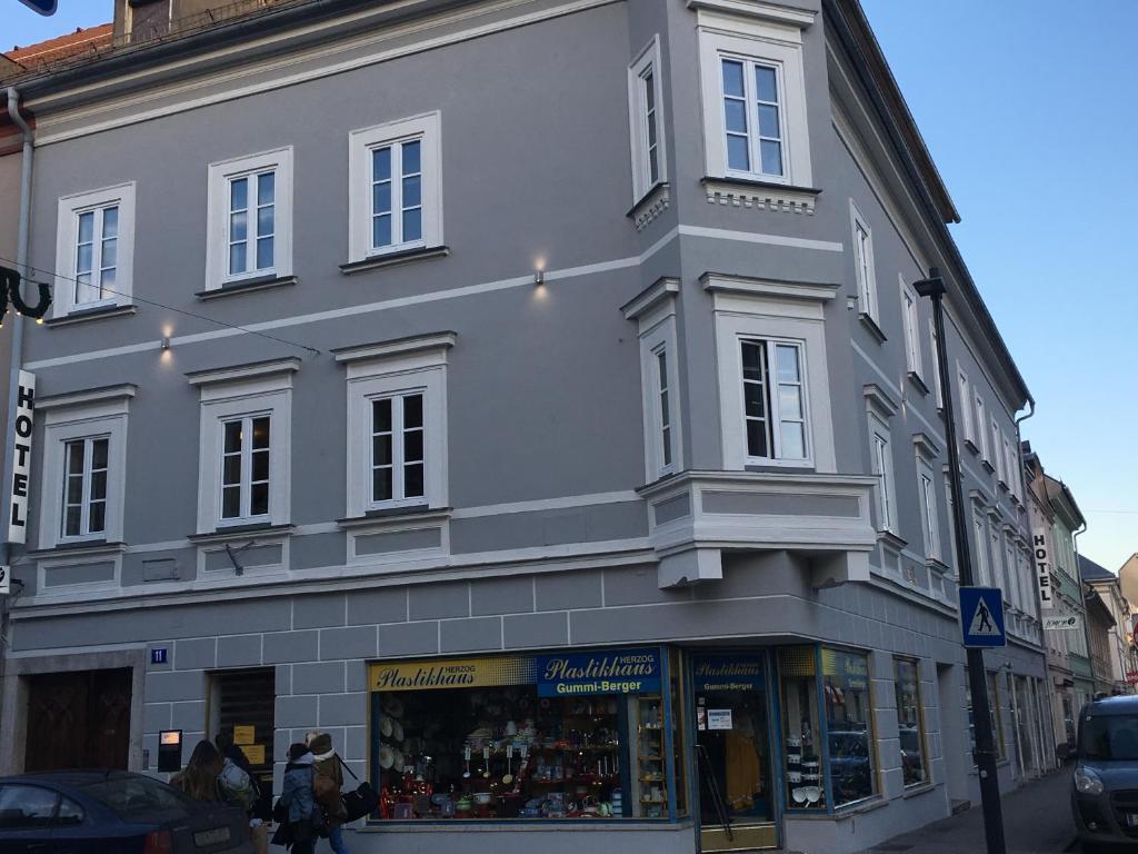 Hotel Lemon7 - SINOS, 9020 Klagenfurt