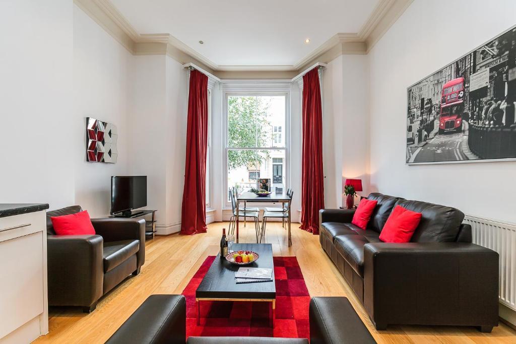 Longridge Road Apartments By Flying Butler