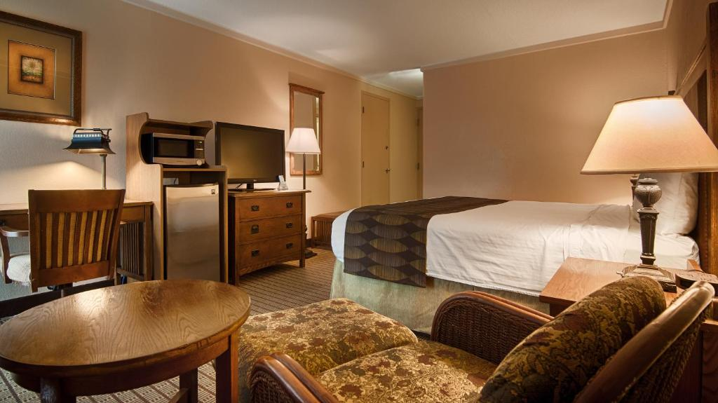 Hotels In Galesburg With Conference Rooms