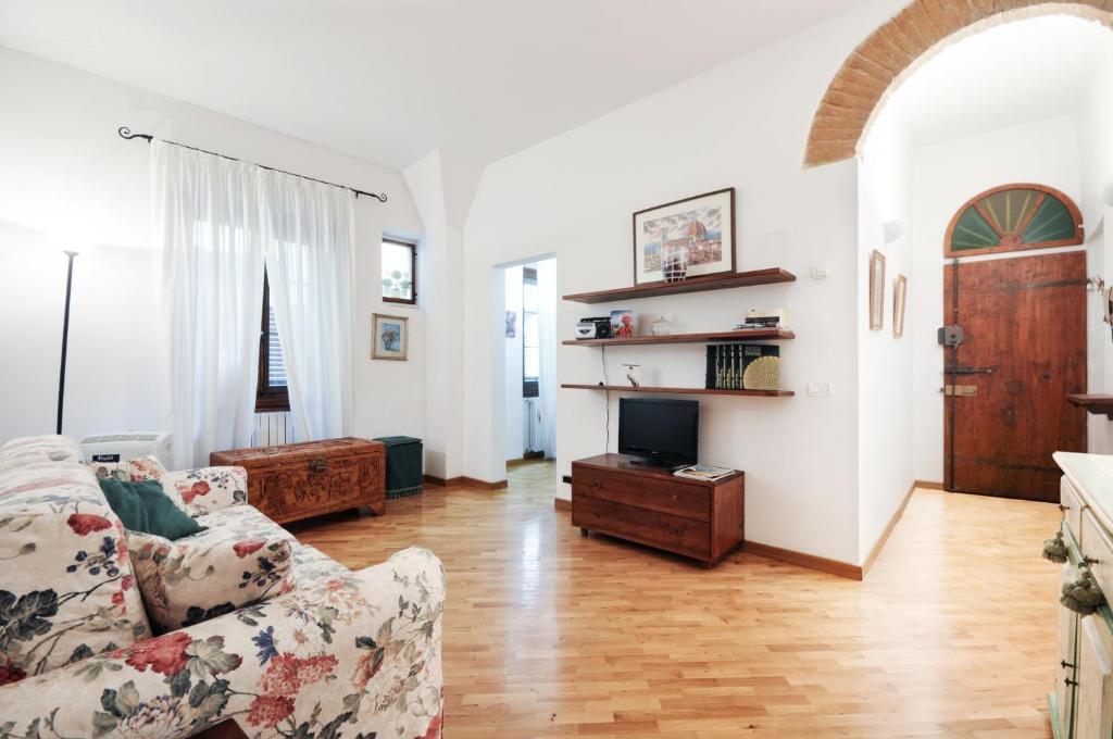 Uffizi Apartment 2